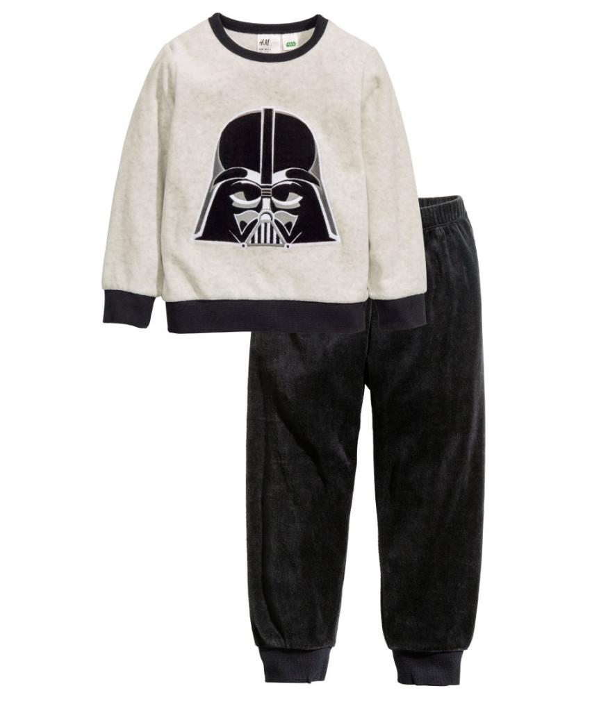 Velours-Pyjama mit Dartweder-Print, H&M Online, 13 Euro (reduziert).