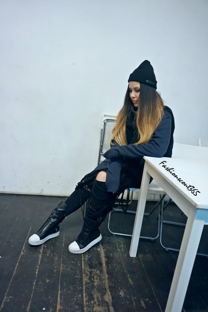 Look der russischen Designerin Olya Egorova: ein gelungenes Outfit im Grunge-Stil. Streetstyle Moskau.