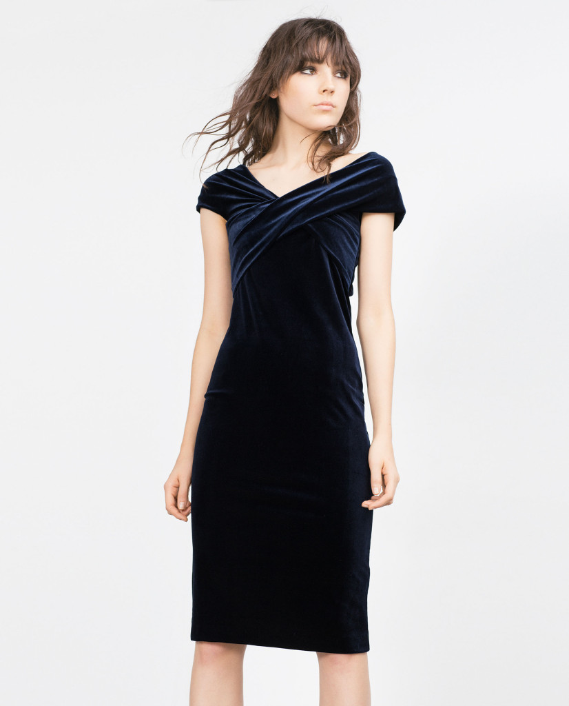 Samt-Kleid in Dunkelblau für einen gelungenen Party-Look, Zara Party edition 2015, 50 Euro.