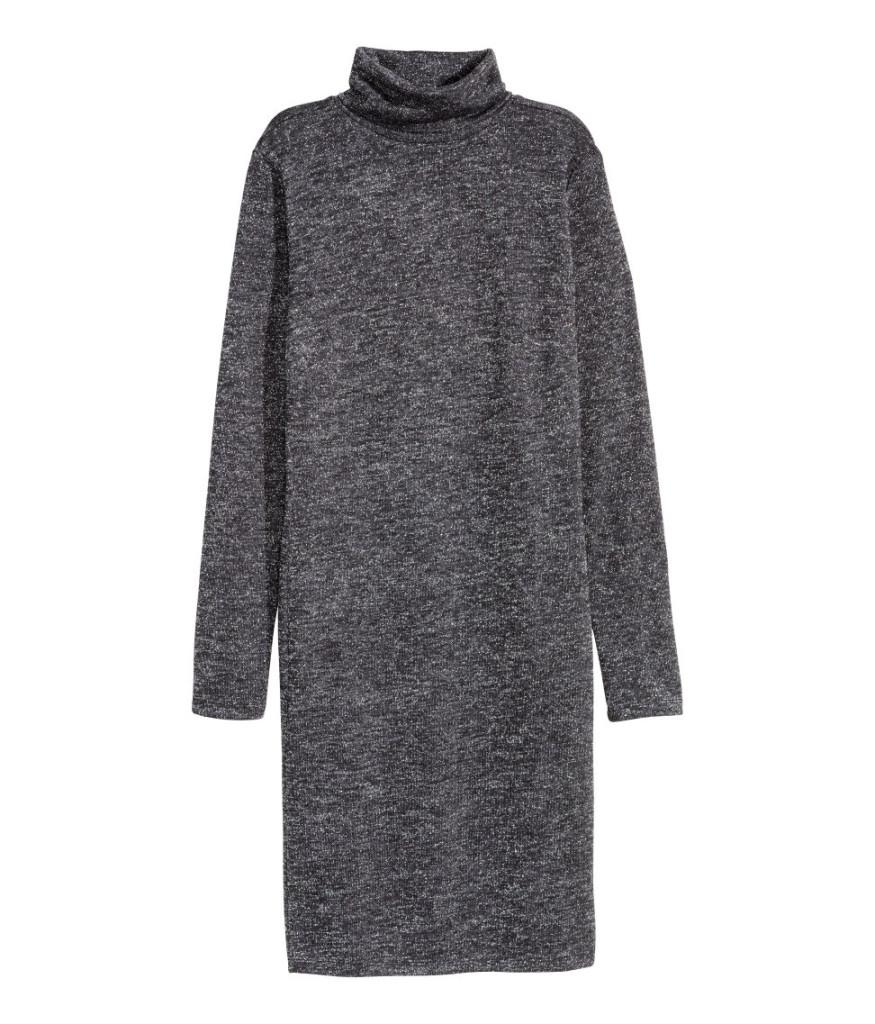 Glitzernes Rollkragen-Kleid von H&M für den eleganten Silvester-Party-Auftritt.
