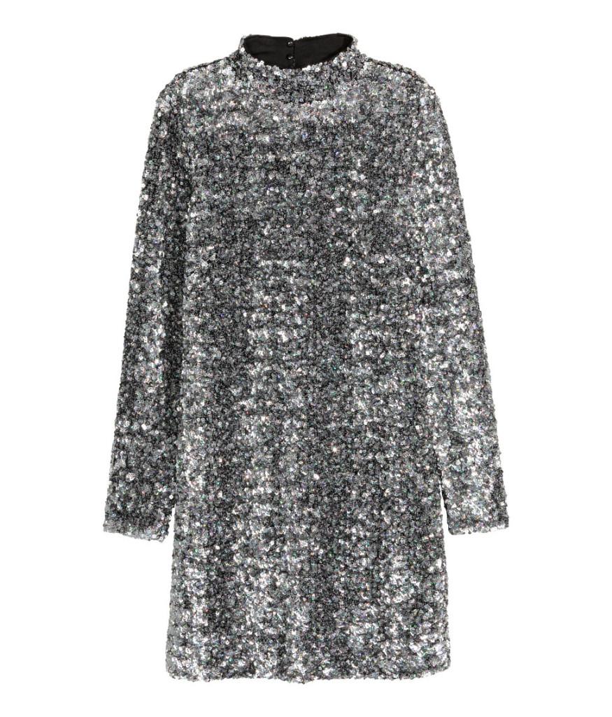 Pailetten-Rollkragen-Kleid von H&M für den schicken Silvester-Party-Look.