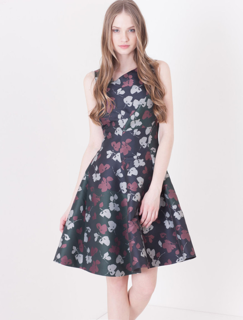 """Perpetuo"" dress with floral print in the female style, 100% polyester, Max.&Co., 160 Euro (reduced)."
