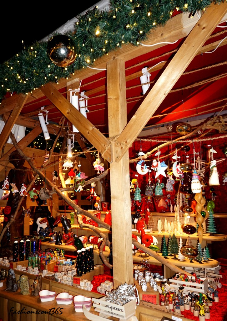Christmas market am Gendarmenmarkt in Berlin, December 2015.