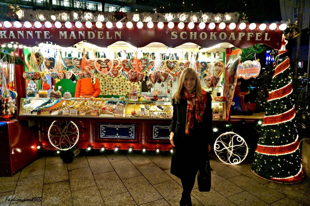 Christmas market an der Gedächtniskirche in Berlin, December 2015.