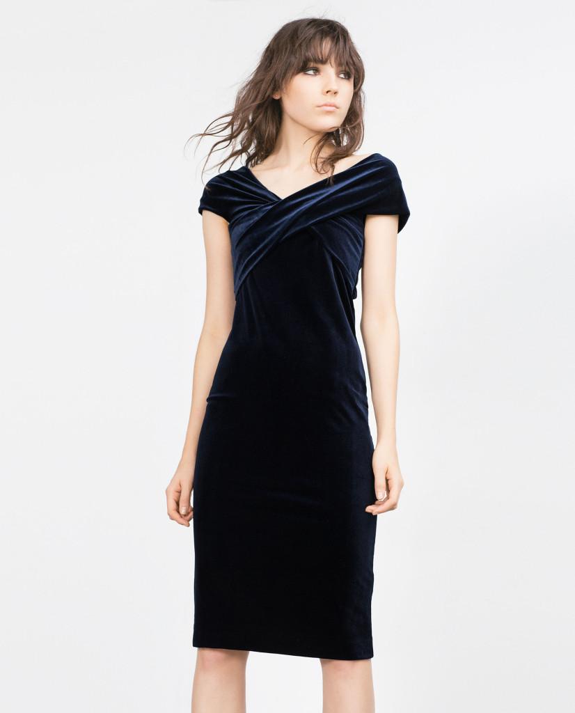Samt-Kleid von Zara für den faszinierenden Party-Look.