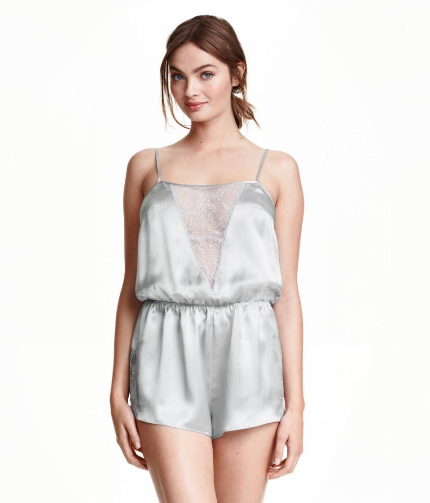 """Top-Angebote aus H&M-Sale: stilvoller Jumpsuit aus Seide in Edeloptik. """"Easy Chic"""" zuhause"""