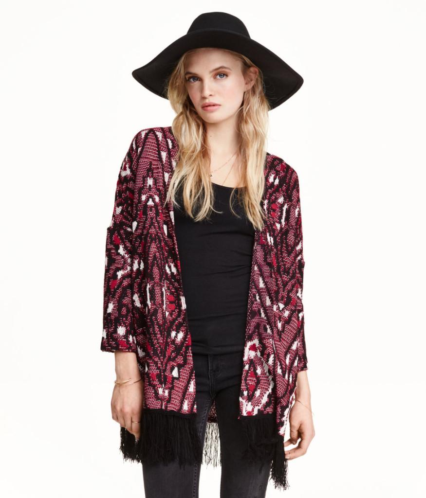 Tipps zu Top-Deals aus H&M Sale: trendige bunte Jacke mit Fransen mit Preisnachlass
