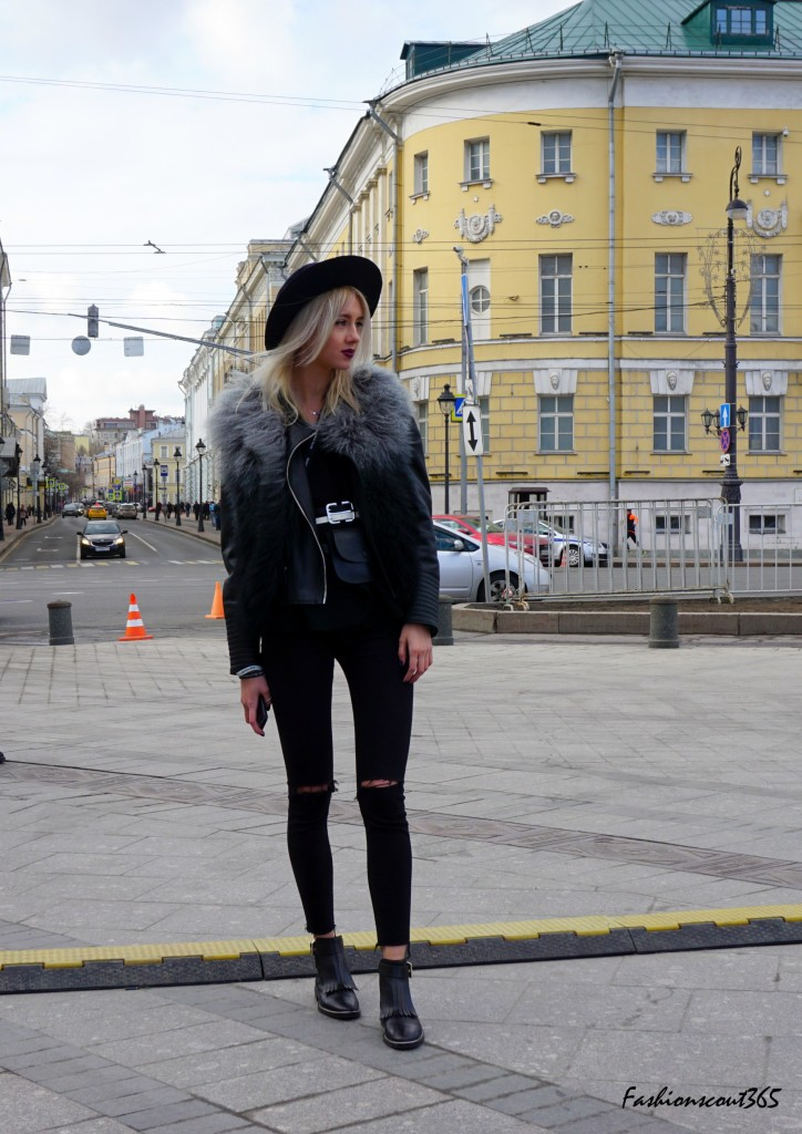 Key fashion trends 2016 on the streets of Moscow: Skinny-Jeans in Used Style and monochrome look in Total Black.